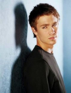 I Love One Tree Hill...10% because it's a good show and 90% because of Lucas<3<3<3