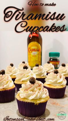 How to make easy and delicious Tiramisu Cupcakes! Kahlua- and espresso- soaked cupcakes with chocolate Kahlua filling and whipped frosting - perfect dessert year-round! Espresso Cupcakes, Tiramisu Cupcakes, Tiramisu Dessert, Alcoholic Cupcakes, Alcoholic Desserts, Köstliche Desserts, Delicious Desserts, Dessert Recipes, Unique Cupcake Recipes