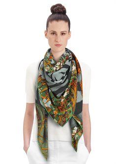 2015 FW   Tyger Tyger   Shawl in 70% cashmere and 30% silk (140 x 140 cm)   Alice Shirley   Ref. : H242958S 03 Vert/Caramel/Vert Amande   €895.00