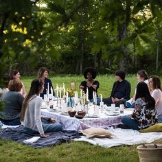 Want to upgrade your next picnic? Check out the blog for outdoor entertaining tips from @cloisteredaway!