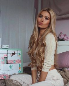 Blonde Wigs Lace Hair Brown And Blonde Braids Beauté Blonde, Blonde Braids, Blonde Model, Blonde Hair Extensions, Long Face Hairstyles, Frontal Hairstyles, Layered Hairstyles, Straight Hairstyles For Long Hair, Pretty Hairstyles
