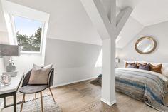 FINN – Lagåsen - Ny, lekker og unik toppleilighet i det herskapelige hovedhuset - Panoramautsikt til sjøen - Carport og garasje - Heis - 55+.