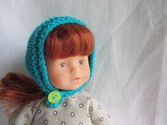 Habit de poupée : cagoule tricotée pour poupée corolline 20 cm