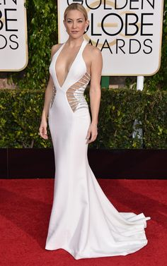 Kate Hudson ~~~Taking a page from J.Lo's style playbook, Kate Hudson, had jaws dropping when she hit the arrivals line in a daring white Versace gown with cut outs and a little bit of bling. Kate Hudson, Celebrity Red Carpet, Celebrity Dresses, Celebrity Style, Celebrity Photos, Celebrity News, Golden Globe Award, Golden Globes, Beautiful Dresses