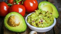 Most Searched-For Super Bowl Recipes: Guacamole Guacamole Dip, Chipotle Guacamole Recipe, Homemade Guacamole, Low Carb Recipes, Vegetarian Recipes, Healthy Recipes, The Healthy Maven, Healthy Eating, Nachos