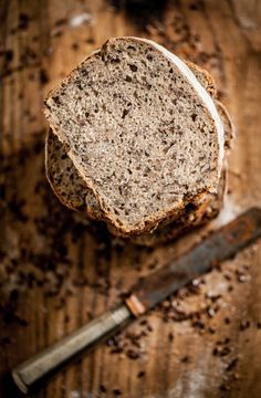 Rye sourdough with roasted flax seeds
