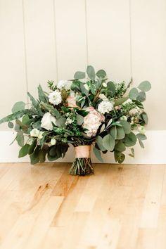 Rustic Wedding flowers Rustic Wedding Flowers, Wedding Bouquets, Fall Wedding, Wedding Bells, Wedding Ideas, Flower Company, Beautiful Wedding Venues, Weeding, Luxury Wedding