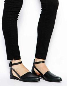Black flat/boots