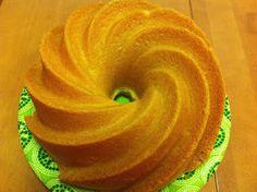 7 minuutin kakku on ihana, iso vaalea kahvikakku. Pretty Cakes, Beautiful Cakes, Finnish Recipes, Coffee Bread, Funny Cake, Decadent Cakes, Bread Cake, Biscuit Cookies, Pound Cake