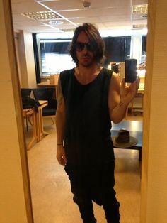 ShannonLeto SHANNON LETO Dressing room mirror pic #1 pic.twitter.com/WhxOpIm6Fx