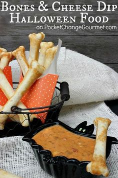 Fun Halloween Food Ideas: Bones and Cheese Dip. Add a little adventure to your n… Fun Halloween Food Ideas: Bones and Cheese Dip. Add a little adventure to your next Halloween party, the kids will love this. Pin for later to your Halloween board. Halloween Desserts, Halloween Fingerfood, Halloween Party Appetizers, Hallowen Food, Fingerfood Party, Halloween Goodies, Diy Halloween Decorations, Halloween Treats, Halloween Diy