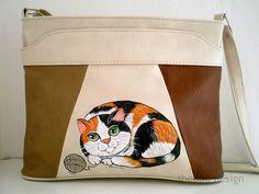 https://flic.kr/p/bUGhXu | C504 Calico Cat Bag 1 | SANYO DIGITAL CAMERA