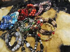 memory wire       SPECIAL ORDERS WELCOME  $5  -  $50   #BEADS #ALTERED ART #CRYSTALS #PEARLS #SWORARSKI #BRACELET
