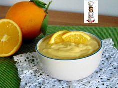 La crema all' arancia è ideale per farcire pan di spagna,bignè e tanti altri dolci,molto semplice da realizzare senza l' uso della bilancia. Ingredienti :
