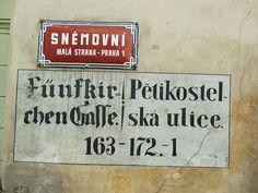 Die Fünfkirchner Gasse in Prag erinnert bis heute an die gleichnamige Familie. Diese bauten ausgehend von Steinebrunn die Region rund um Falkenstein zu einem protestantischen Machtzentrum aus. Um 1600 errangen sie den Freiherrenstand und bauten ein Palais in Prag, der Residenzstadt von Kaiser Rudolf II. Das Palais ist schon lange verschwunden, der Straßenname hat überlebt. Stock Photos, Suitcase, Prague, Round Round
