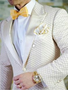 white wedding suit honeycomb Outfits Casual, Mode Outfits, Men's Suits, Groom Suits, Groom Wear, Fashion Mode, Fashion Boots, Mens Fashion Suits, Suit And Tie