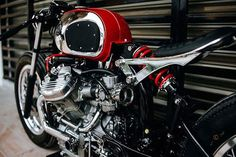 When your work is recognised to be of such a high standard that you're asked to build a motorcycle for a major custom show, there are really only two choices a… Honda Cx500, Honda S, Honda Motorcycles, Custom Motorcycles, Custom Bikes, Motorcycle Luggage, Bobber Motorcycle, Motorcycle Design, Custom Cafe Racer