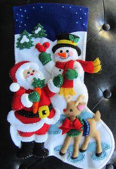 Bucilla Santa y muñeco de nieve terminado Felt Decorations, Christmas Decorations, Holiday Decor, Felt Stocking, Mobiles, Box, Christmas Stockings, Snowman, Christmas Crafts