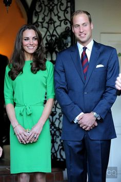 I love this green dress! Color and style just  beautiful Kate Middleton style...