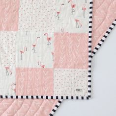 What a fun, whimsical flamingo quilt from @MadlyWish! Enter to win a $150 gift certificate to get your own! #giveaway #win