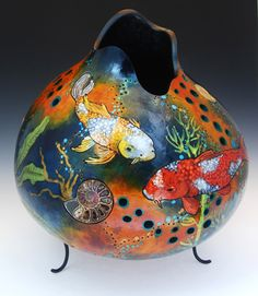 pixels - aquarium painted gourd with some pierce carving Decorative Gourds, Hand Painted Gourds, Rum, Decoupage, Gourds Birdhouse, Arte Country, Gourd Lamp, Spring Photography, Pumpkin Crafts