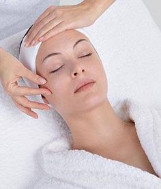 San diego facials, the best facials in San Diego by Beauty Kliniek Day Spa, customized for you by our professional estheticians. For more info dial us at (858) 457-0191.