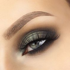 Smokey Eye using the new Smokey Cover Shot Palette by @smashboxcosmetics See previous post for tutorial! #smashbox #smashboxsquad #covershotpalette