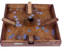 Tiddlywinks - Wood Vintage Antique Family Game good for adults and kids children in the basement DIY Idea Diy Yard Games, Diy Games, Backyard Games, Wooden Board Games, Wood Games, Bois Diy, Small Wood Projects, Traditional Games, How To Make Beer