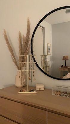 Room Design Bedroom, Room Ideas Bedroom, Home Room Design, Home Decor Bedroom, Teen Bedroom, Bedroom Inspo, Minimalist Room, Aesthetic Room Decor, Dream Rooms
