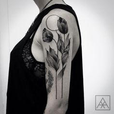 Agenda aberta!  Para mais informações: ✉️ estudioteix@gmail.com #blackwork #tulip #blacktattooart #btattooing #blackworkerssubmission #onlyblacktattoos #tattoaria #tattoo2me #tattrx #tttism #blacktattoomag #maxvorax #maxwellalves  (em Estúdio Teix)