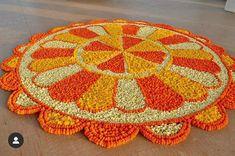 Easy Rangoli Designs Diwali, Rangoli Designs Latest, Rangoli Designs Flower, Free Hand Rangoli Design, Diwali Diy, Rangoli Designs Images, Flower Rangoli, Simple Rangoli, Diy Diwali Decorations