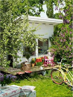 Little house small house garden office shed pinterest for Cheap garden office buildings