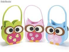 Dulceros de búhos - Imagui                                                                                                                                                                                 Más Owl Crafts, Easter Crafts, Foam Sheet Crafts, Owl Sketch, Kids Purse, Box Patterns, Loot Bags, Foam Sheets, Ideas Para Fiestas