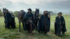 Musketeers BBC, Travel Cloak