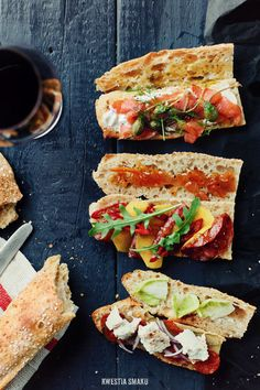 Rustic baguette sandwiches looks yummyy Paninis, New Recipes, Favorite Recipes, Healthy Recipes, Baguette Recipe, Baguette Sandwich, Tapas Dinner, Yummy Drinks, Yummy Food
