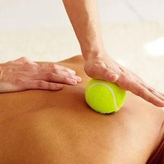 You know what they say: Teach a woman how to give her guy a massage and she can show him how to do the same for her. But it's true!) Learn these basic techniques for a relaxing, stress-relieving massage. Massage Tips, Massage Envy, Hand Massage, Massage Benefits, Spa Massage, Reflexology Massage, Massage Table, Health Benefits, Relax
