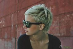 Pixie Crop-I could not love this look more-the cut and the awesome! Mohawk Pixie, Pixie Haircut, Pixie Crop, Edgy Pixie, Haircut And Color, Short Blonde, Blonde Pixie, New Haircuts, Great Hair