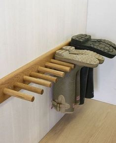 Old wood can be used to make welly / boot rack boot room! Garage Organization, Garage Storage, Diy Garage, Utility Room Storage, Organized Garage, Garage Entry, Garage Signs, Storage Spaces, Boot Storage