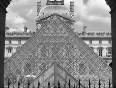 https://flic.kr/p/KCeGCE   Musée du Louvre, point de vue.