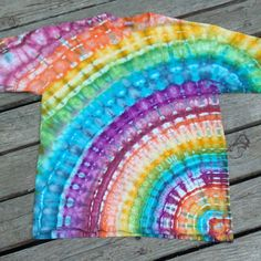 May 2019 - Get 53 cool tie dye shirt patterns for free. Tons of photos inside to see which tie dye shirt idea works for you. Cool Tie Dye Shirts, Tie Die Shirts, Cool Ties, Kids Tie Dye Shirt, Tye And Dye, How To Tie Dye, How To Dye Fabric, Tye Dye, Hippie Party