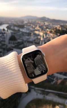 Apple Watch Accessories, Iphone Accessories, Apple Watches For Women, Apple Watch Fashion, Rose Gold Apple Watch, Accessoires Iphone, Apple Watch Faces, Apple Watch Series, Smart Watch Apple