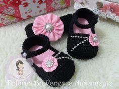 Image gallery – Page 524669425337742981 – Artofit Booties Crochet, Crochet Baby Sandals, Crochet Shoes, Crochet Slippers, Baby Girl Sandals, Baby Girl Shoes, Free Baby Patterns, Crochet Octopus, Crochet Girls