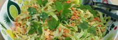 3–4 porkkanaa pala varhaiskaalia 1 dl aivan nuoria vuohenputkia pieni purkki ananasmurskaa kastike: 1 dl kermaviiliä ripaus suolaa, sokeria ja pippuria tilkka viinietikkaa Kuori ja raasta porkkanat. Cabbage, Vegetables, Food, Pineapple, Cabbages, Hoods, Vegetable Recipes, Meals, Brussels Sprouts