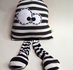 Sewing Toys, Sewing Crafts, Sewing Projects, Monster Dolls, Fabric Animals, Sock Animals, Ugly Dolls, Cute Dolls, Softies