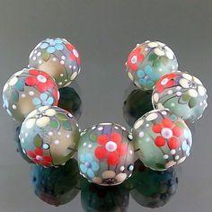 PIKALDA=handmade lampwork 7 glass beads flower blossom set=GREENSKY=SRA