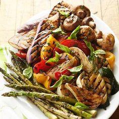 Grilled Vegetable Platter Recipe with balsamic vinegar, olive oil, fresh basil… Healthy Grilling, Grilling Recipes, Cooking Recipes, Side Dish Recipes, Vegetable Recipes, Vegetarian Recipes, Diabetic Recipes, Yummy Recipes, Dinner Recipes