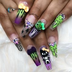 As a big Hello Kitty fan these are totally my kind of Halloween nails! So cute! Great work by @nailsbyly . #thenailhub #halloweennails #cutenails #fallnails #longnails #nailart