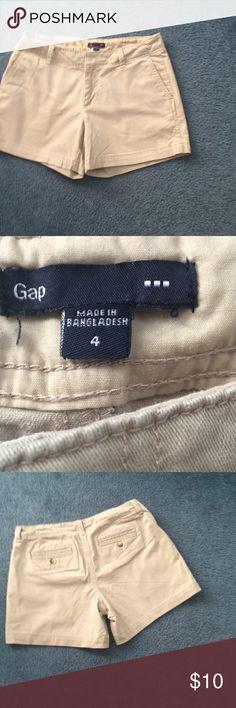 Gap women's shorts Size 4 GAP Shorts