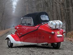 Iconic microcar in desirable cabriolet body style Finished in Ferrari-inspired livery Recent restoration Microcar, Reverse Trike, Vintage Sports Cars, Best Classic Cars, Weird Cars, Unique Cars, Vintage Trucks, Car Wheels, Sexy Cars