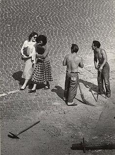 View from a window, Roman flirt. Trastevere, 1953    Herbert List